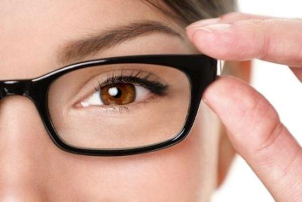 لبس النظارة الطبية لاول مرة